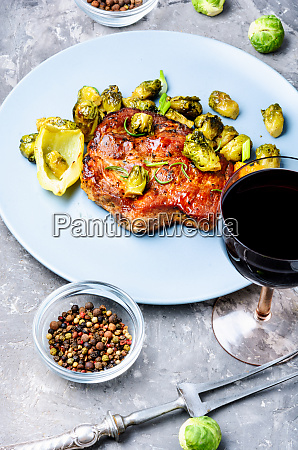 meat, steak, with, vegetables - 26052817
