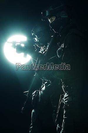 spec ops police officersswat