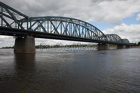 pilsudski bridge on vistula river in