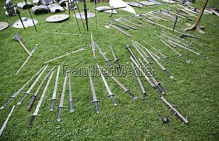 swords of medieval warfare