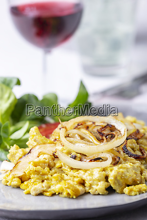 austrian spaetzle with salad and wine