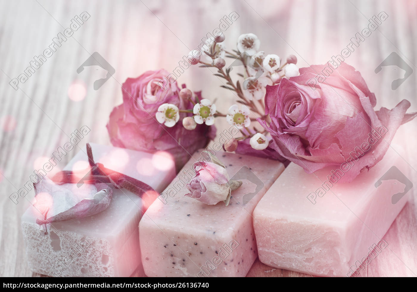 natural, soap, with, roses, in, vintage - 26136740