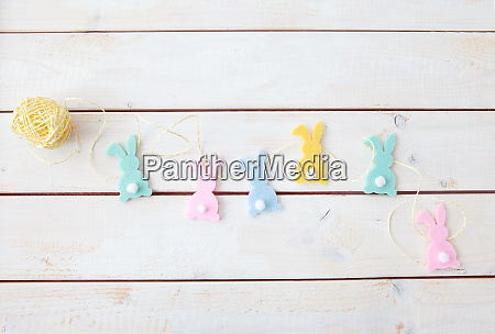 cheerful easter decorations