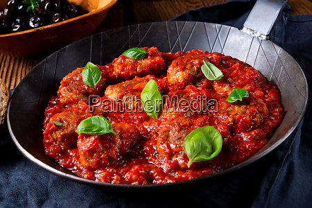baked mini meatballs in tomato sauce