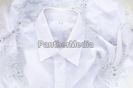 soak cloth before washing white