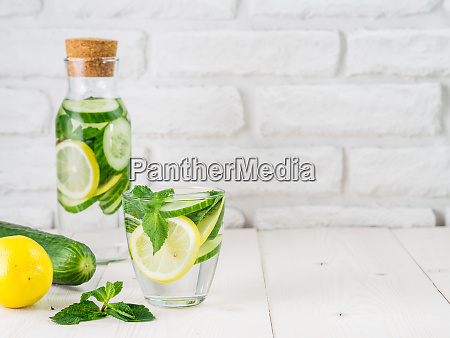 infused detox water with cucumber lemon