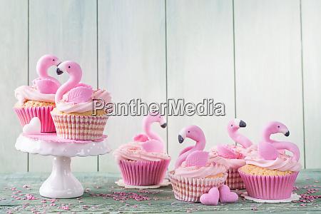 flamingo cup cakes