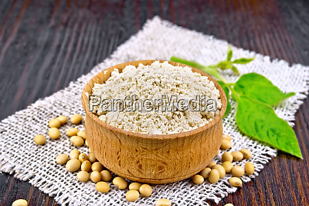 flour soy in bowl with leaf