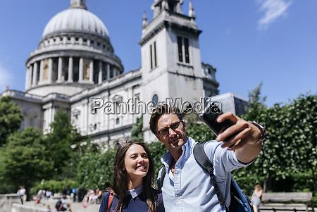 uk london couple taking a selfie