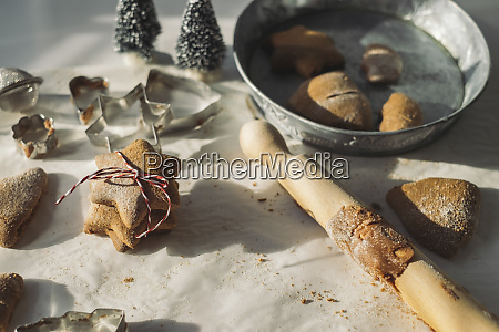 preparing christmas cookies