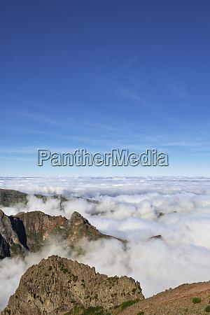 madeira pico ruivo sea of clouds