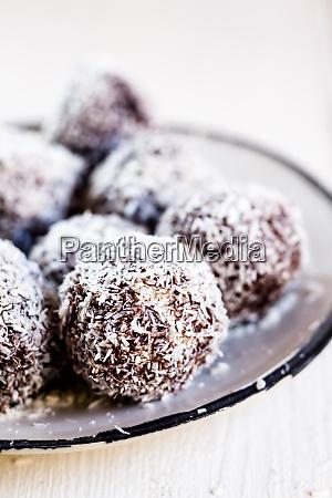 lamington bliss balls with cashews filled