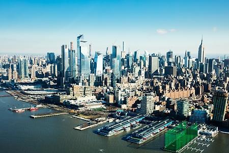 manhattan skyline with new world trade