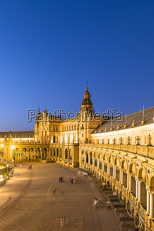 plaza de espana at night built