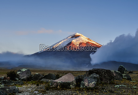 cotopaxi volcano at sunset cotopaxi national