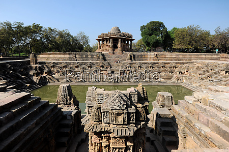 modhera sun temple built in 1026
