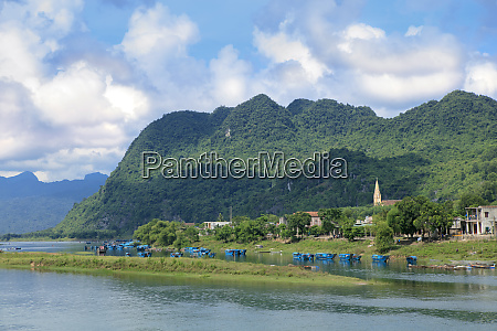son river and catholic church in