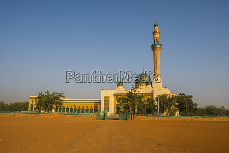 grand mosque of niamey built with