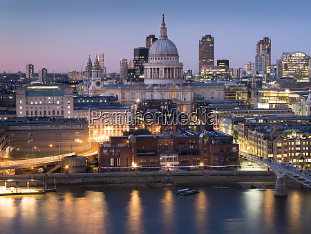 st pauls cathedral and city of
