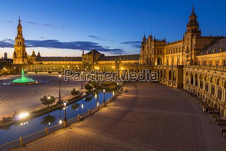 plaza de espana at dusk seville