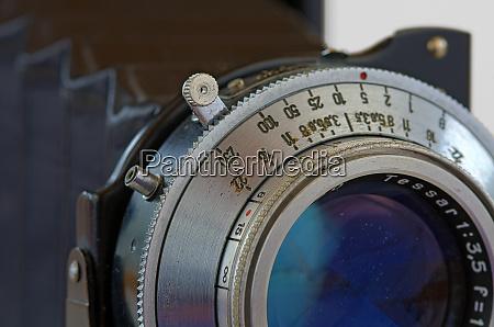 camera lens with leaf shutter