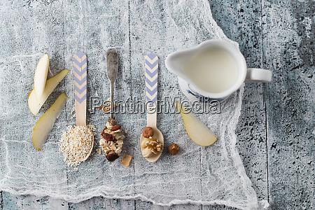 ingredients of fruit muesli