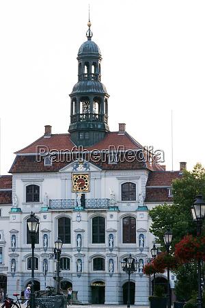 historisches rathaus in lueneburg