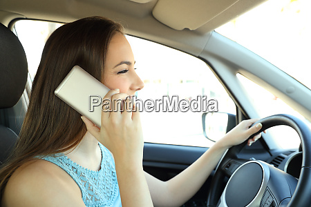distracted driver calling on phone driving