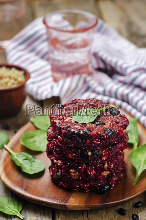 black bean quinoa beet walnuts burgers