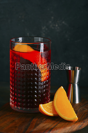 negroni cocktail old fashioned with gin