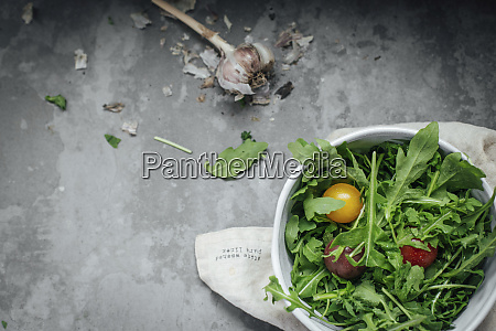 rucola with tomatoes