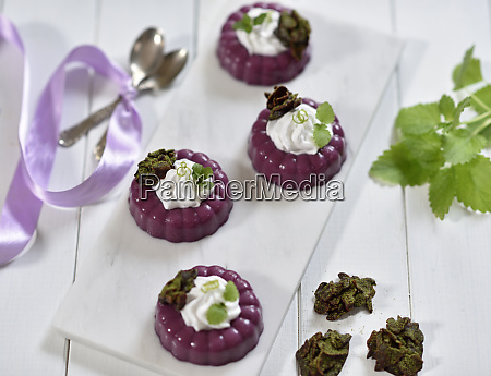 vegan cassis panna cotta with lime