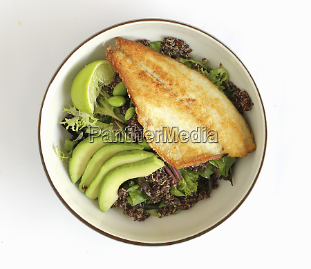 kinoa salad with seabass
