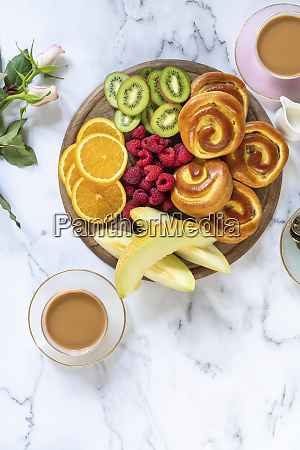 brioche with custard and fresh fruits