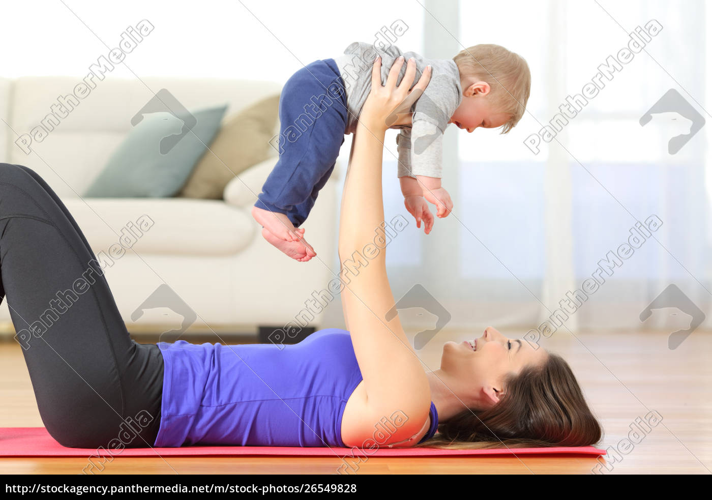 mother, exercising, with, her, baby, at - 26549828