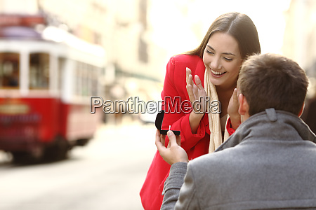 marriage proposal in the street