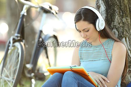 student learning hearing audio tutorials