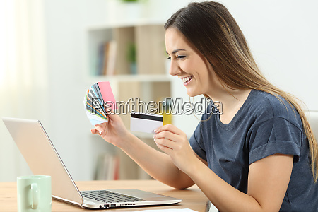 shopper buying online with multiple credit