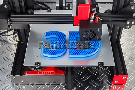 red black 3d printer printing blue