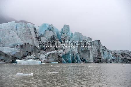 icebergs in jokulsarlon beautiful glacial lagoon