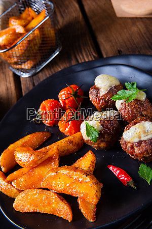 meatballs with potato quarter from the
