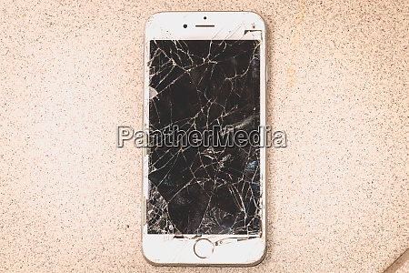 broken iphone 6s developed by the