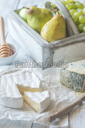 camembert and roquefort with pears and