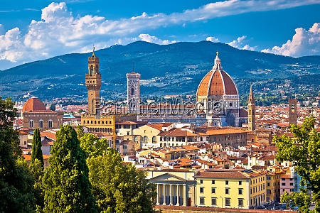 florence rooftops and cathedral di santa