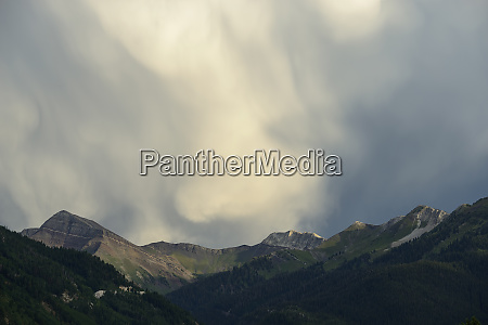 clouds above mountains in marble colorado