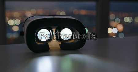 virtual reality device play inside at