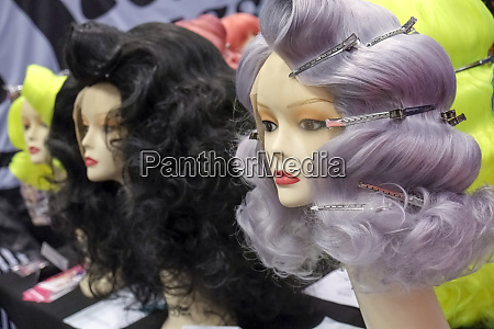 wigs on mannequin heads
