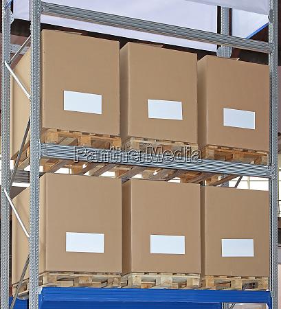 pallets boxes