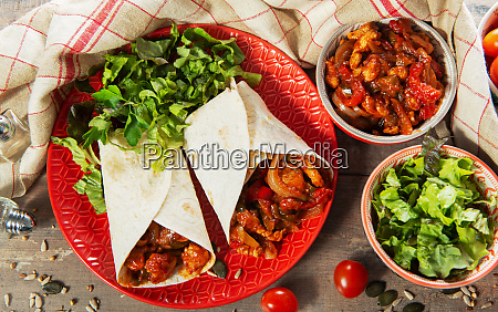 fajitas with chicken mexican cuisine