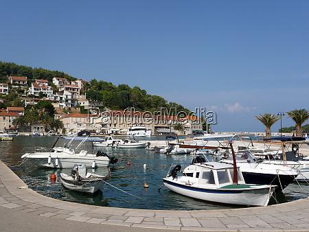 ships in jelsa in croatia